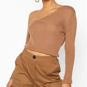 Boohoo - Knitted Asymmetric Top